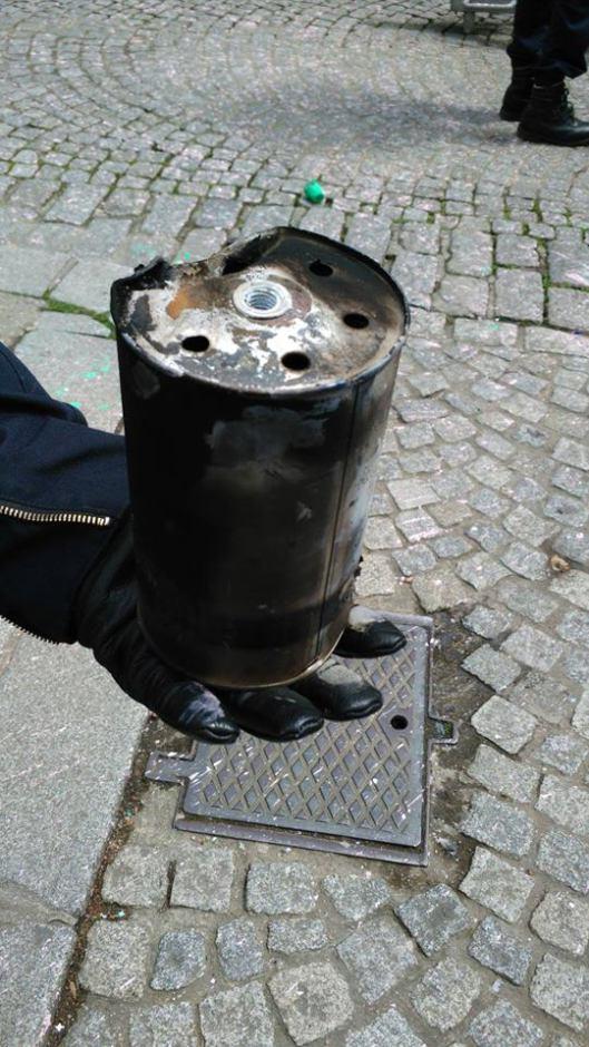 Policier projectile1