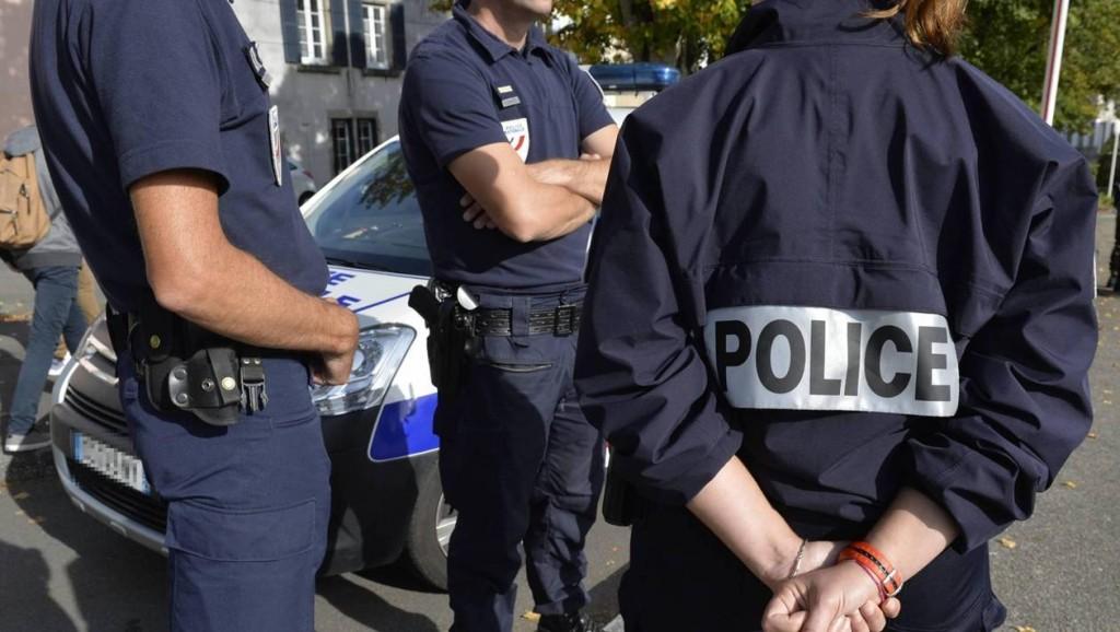 4c767c7942a294db8c267f33ae665d77-nantes-la-gare-une-policiere-recoit-un-coup-de-poing-au-visage_1