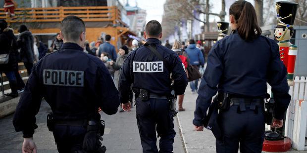 Inch-Allah-le-livre-de-Davet-et-Lhomme-irrite-toujours-les-policiers-du-93
