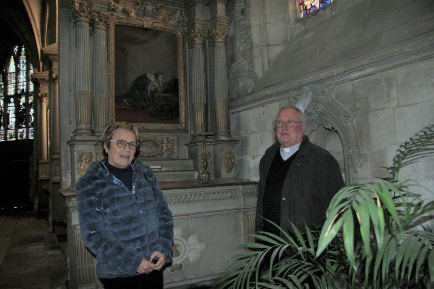 Eglise-vandalisée-dans-la-Manche-854x569