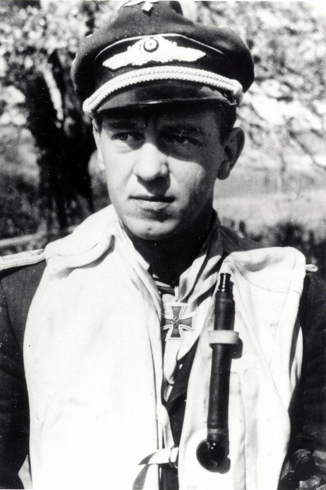 Histoire du légionnaire FREYTAG Siefried ancien As de la Luftwaffe . Freyta102