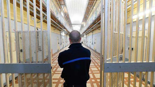 blocage-de-prisons-un-surveillant-raconte-son-quotidien