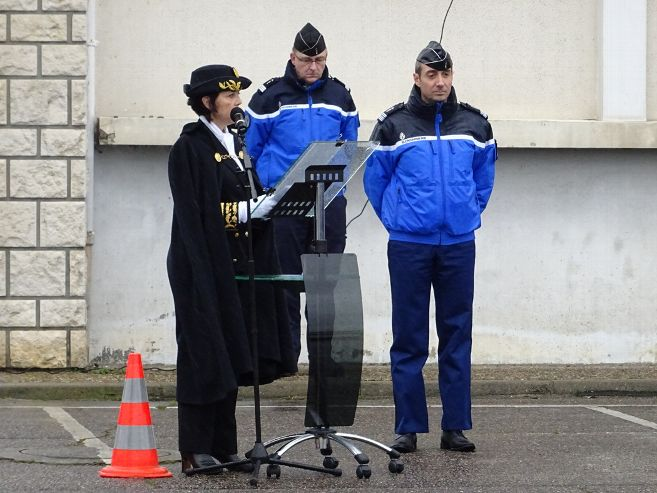 hommage-colonel-arnaud-beltrame-gendarmerie_3696808