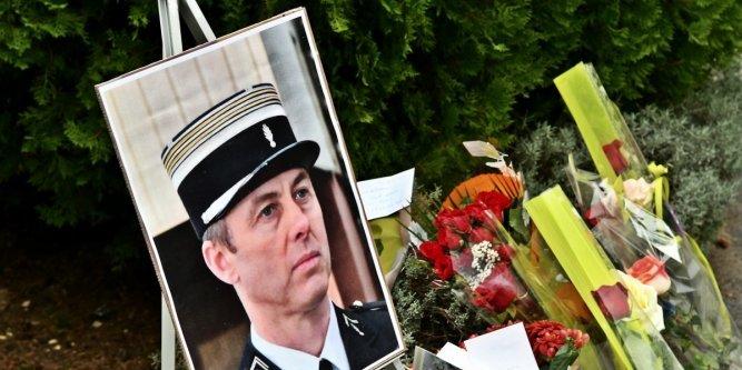 la-photo-du-lieutenant-colonel-arnaud-beltrame-avait-ete_2758779_667x333