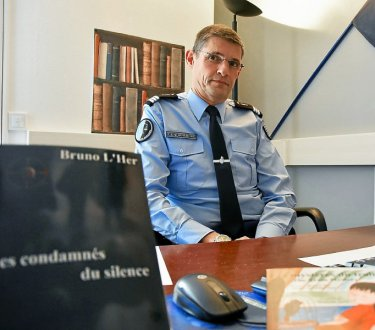 le-capitaine-bruno-l-her-commandant-de-la-brigade-de_3866430_375x330p