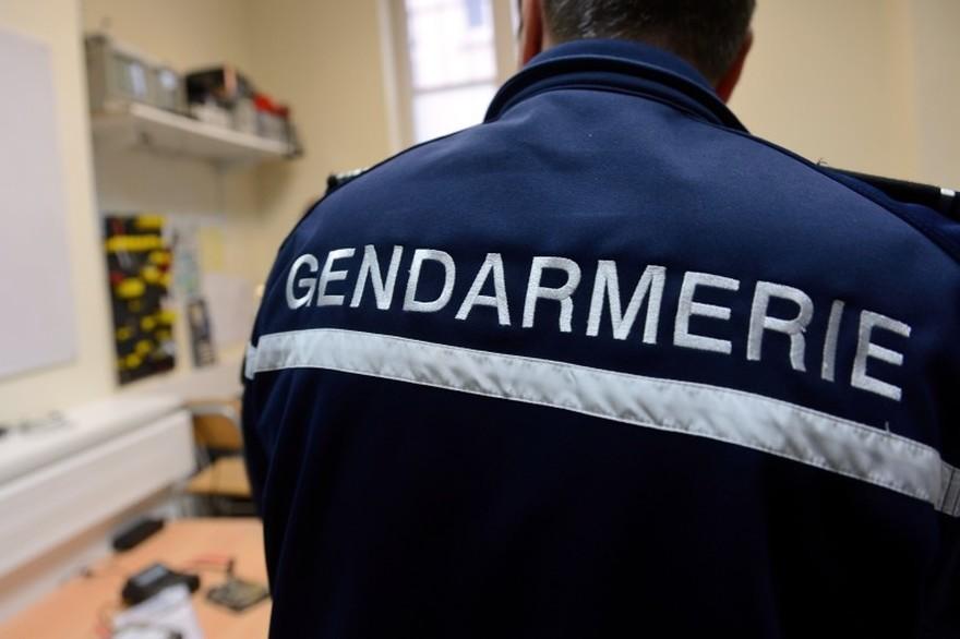 7789550250_un-gendarme-a-arras-le-9-janvier-2014-photo-d-illustration