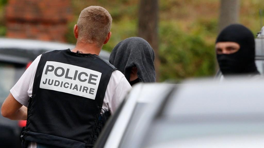 photo-d-illustration-antiterrorisme-unite-d-elite-et-d-intervention-police_5910964