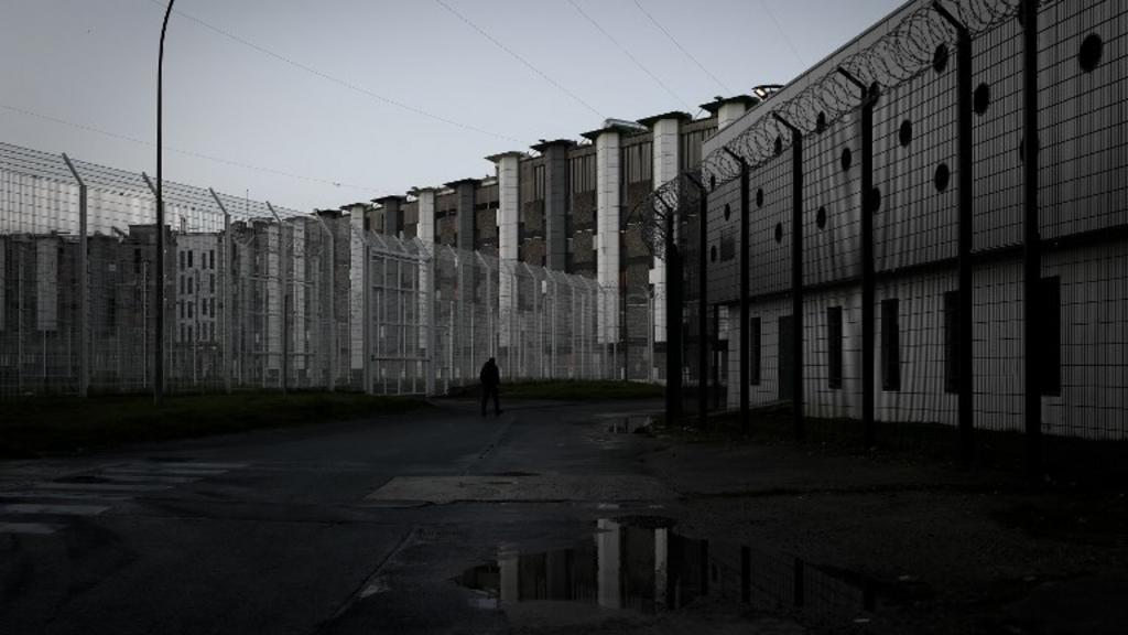 prison-fleury-merogis-cour-886c4e-0@1x
