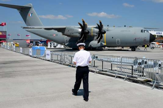 FRANCE-TRANSPORT-AVIATION-AIRSHOW-AIRBUS-A400M