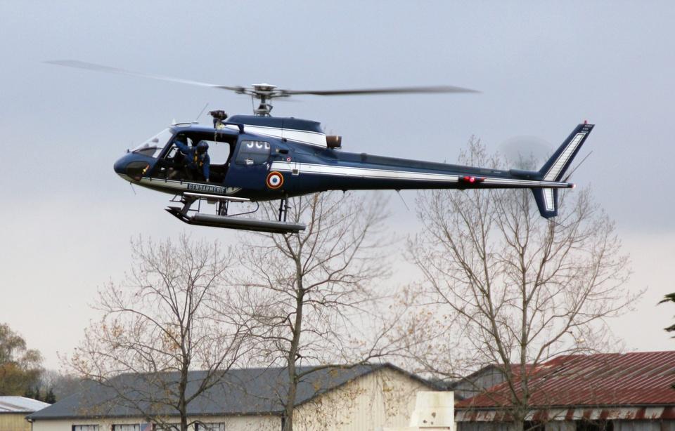 960x614_illustration-helicoptere-gendarmerie-lors-exercice-dessus-rennes