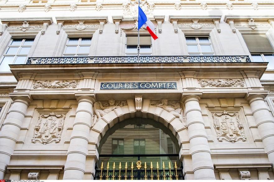 7792171550_l-entree-de-la-cour-des-comptes-a-paris-le-11-fevrier-2014