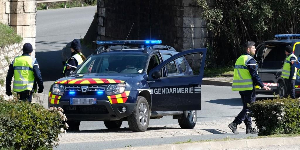 Pays-de-la-Loire-Un-sexagenaire-retrouve-decapite-chez-lui