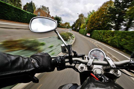 motorcycle-1827482_1280-537x358