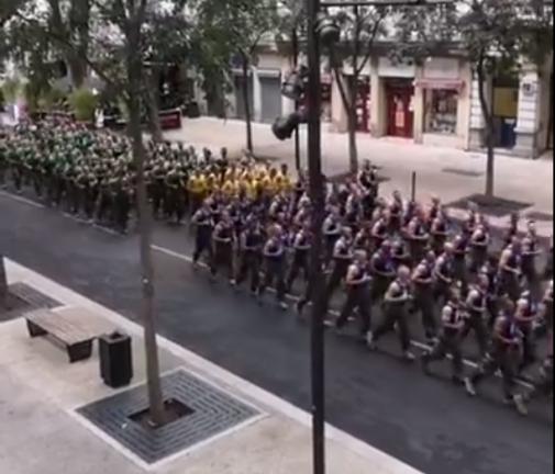 23572_5b4cae12a61ee_nmes--quand-600-legionnaires-font-leur-footing-en-plein-centre-ville