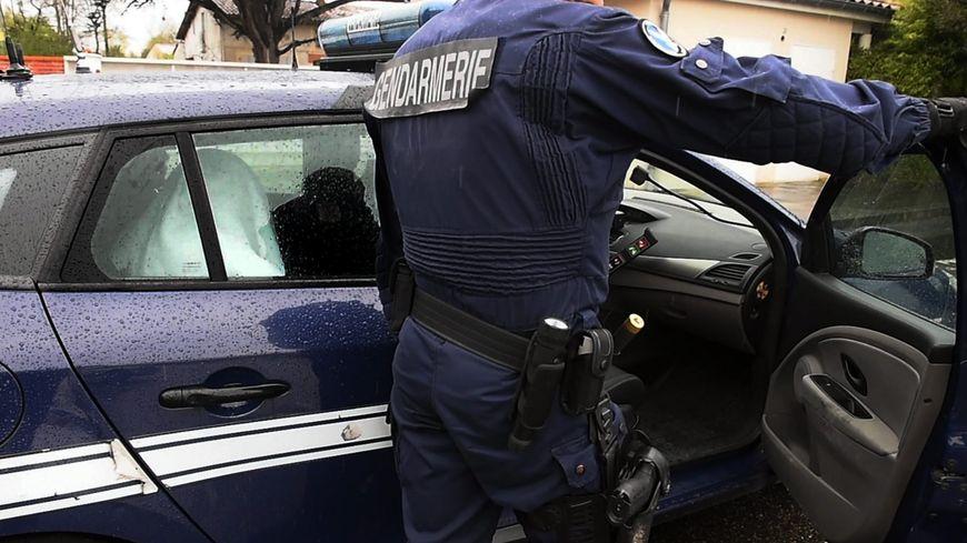 870x489_gendarmes_en_action