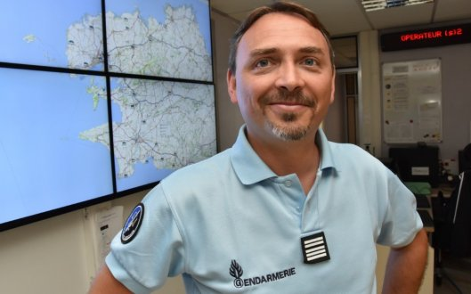 le-colonel-nicolas-duvinage-nouveau-patron-des-gendarmes-du_4106332_529x330p