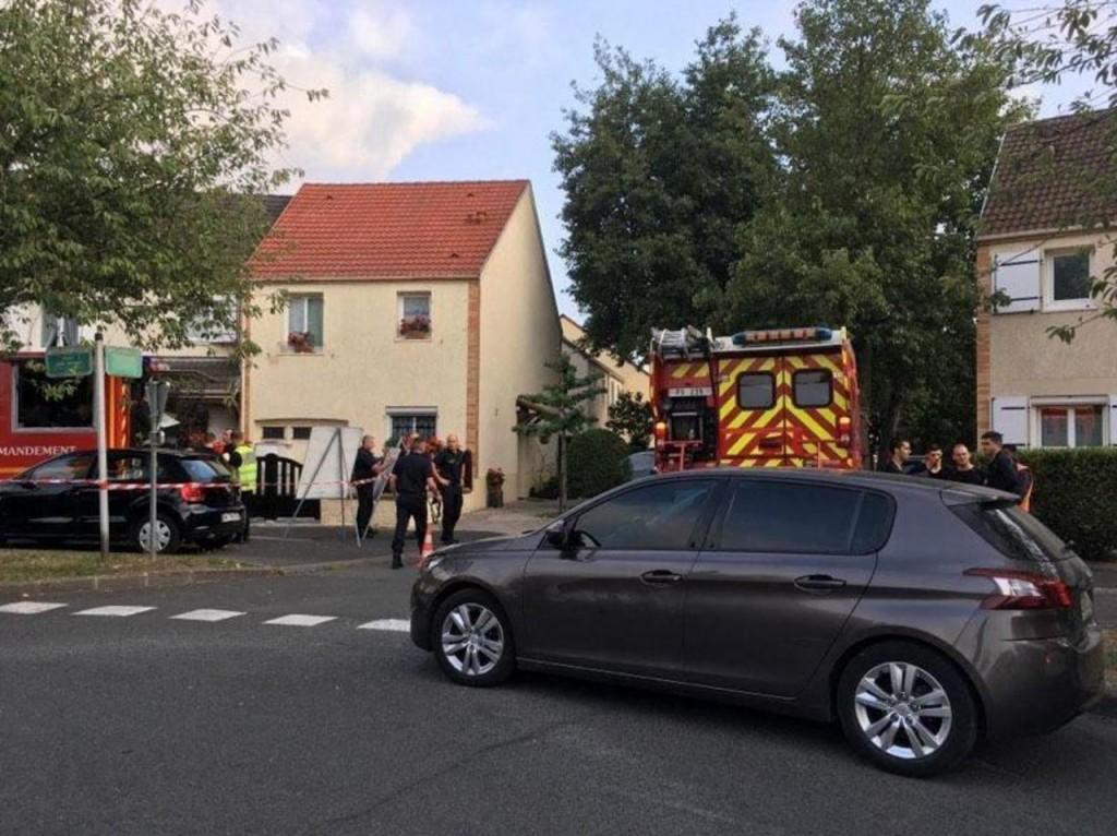 Val-de-Marne : un pompier tué à l'arme blanche, un autre grièvement blessé