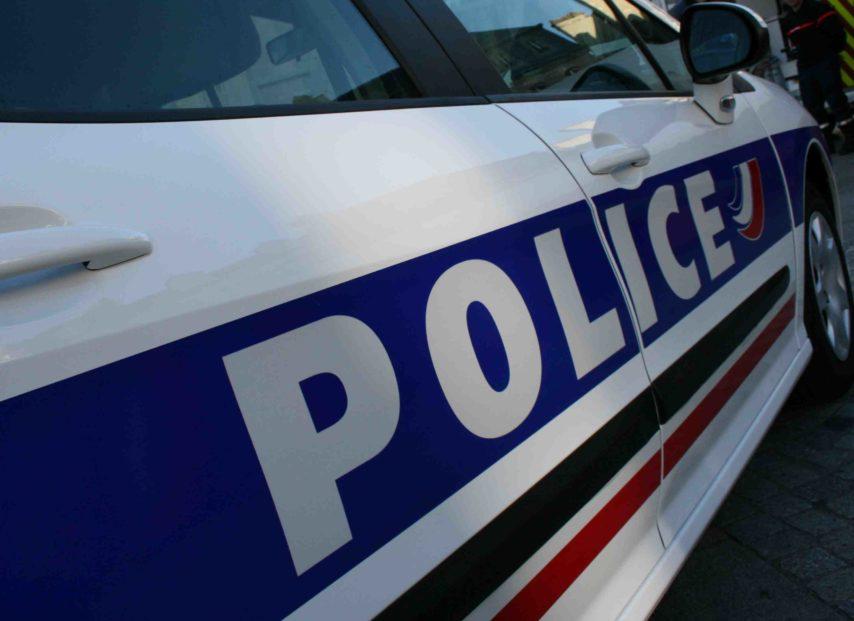 voiture-de-police-3-854x621