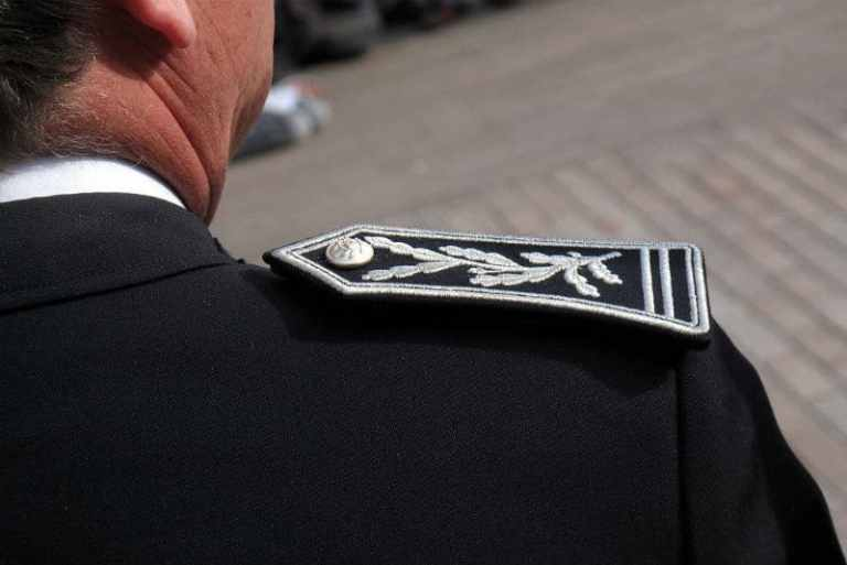 commissaire-police