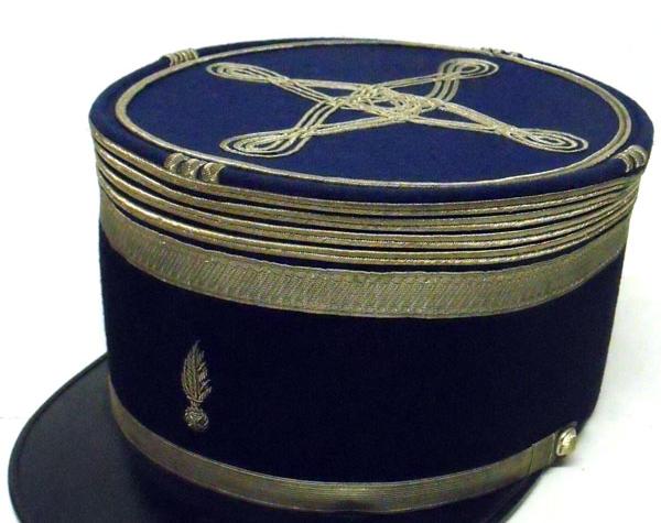kepi-commandant-gendarmerie-1935-1940-600x475