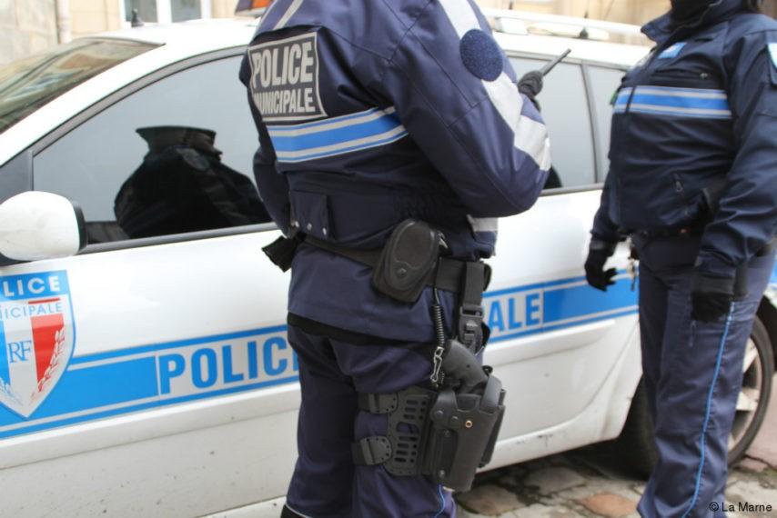 policier-854x570-1