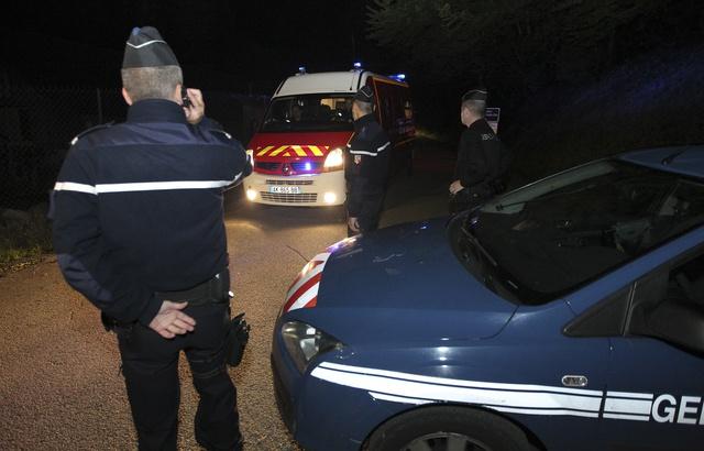 640x410_chevaline-haute-savoie-le-6-septembre-2012-des-gendarmes-proximit-du-parking-ou-quatre-personnes-on