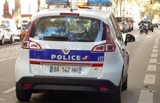 640x410_lyon-le-6-npovembre-2017-illustration-de-policiers-et-vehicules-de-police