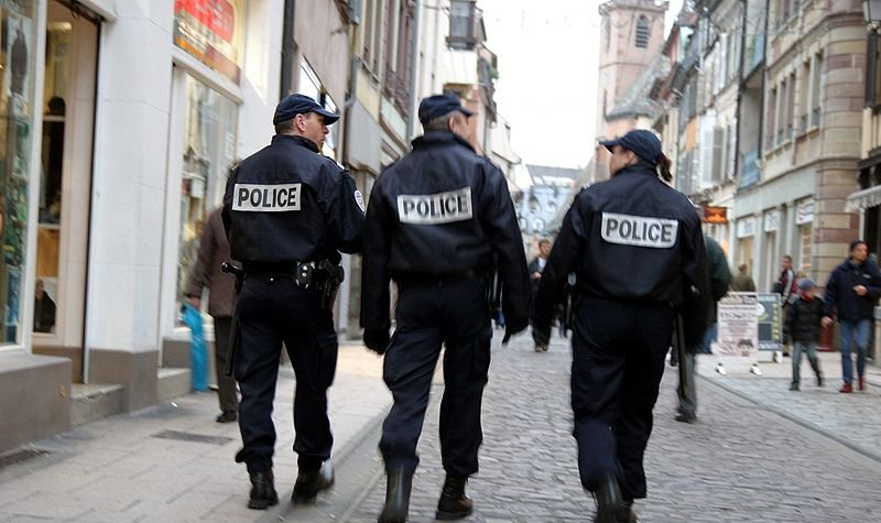 800px-Police-IMG_4105-800x475