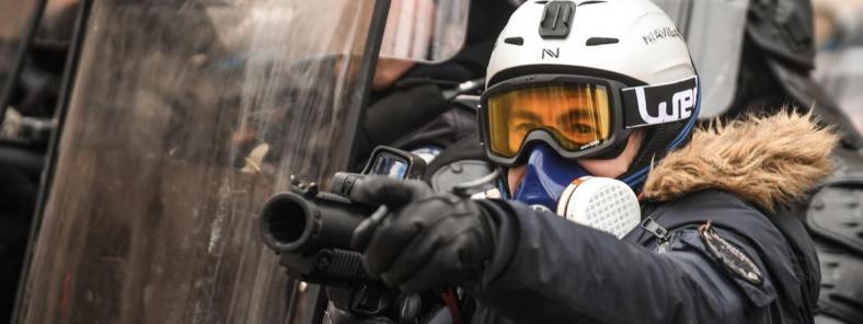 lbd-violences-policières-gilets-jaunes-syndicat-france-police-policiers-en-colère