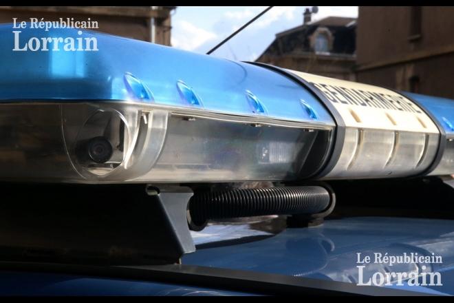 repere-par-les-gendarmes-le-conducteur-du-vehicule-vole-plus-tot-dans-la-soiree-s-est-engage-dans-une-course-poursuite-avec-les-forces-de-l-ordre-photo-pierre-heckler-1549215753