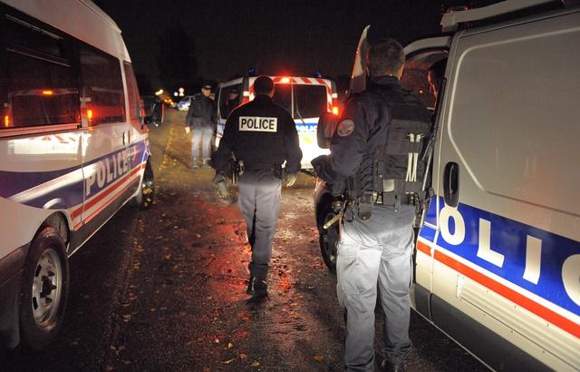 640x410_des-patrouilles-de-police-la-nuit-illustration