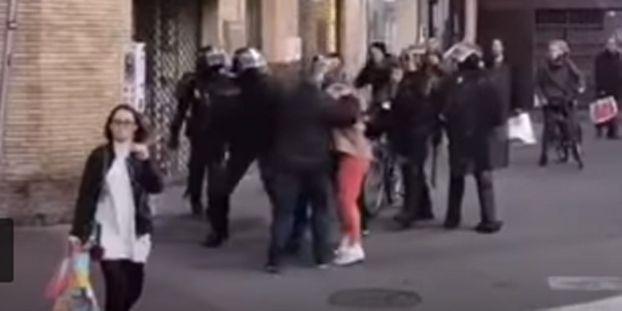 VIDEO-Toulouse-un-couple-de-personnages-agees-frappee-en-pleine-rue-par-des-policiers