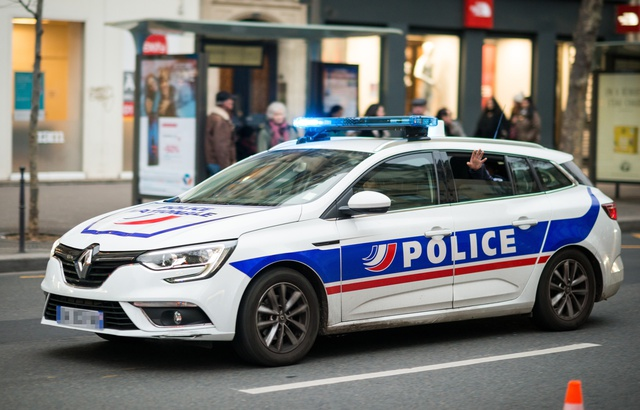640x410_une-voiture-de-police-illustration
