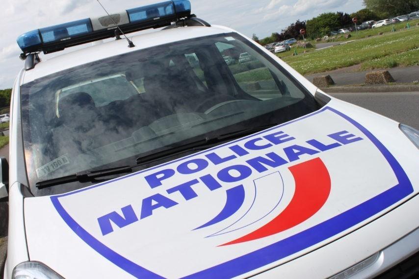 Police-voiture-1-854x569