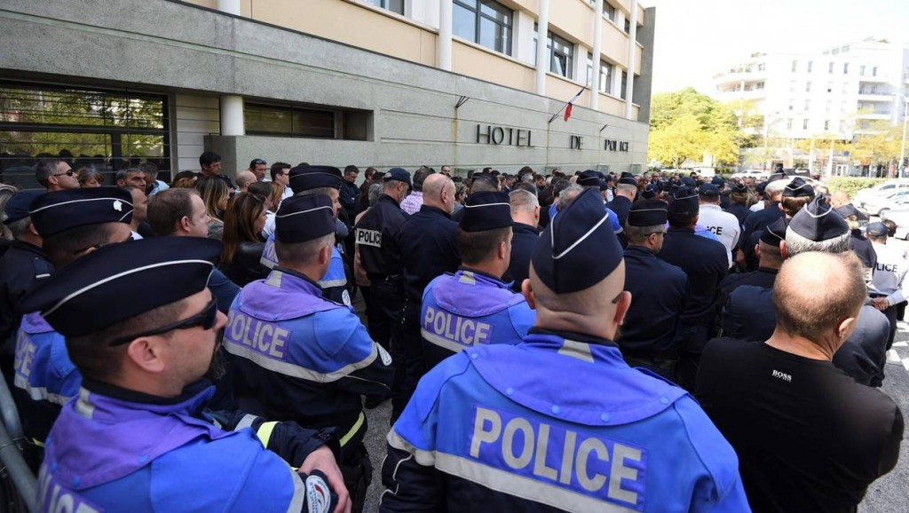 FRANCE-SUICIDE-POLICE-CEREMONY