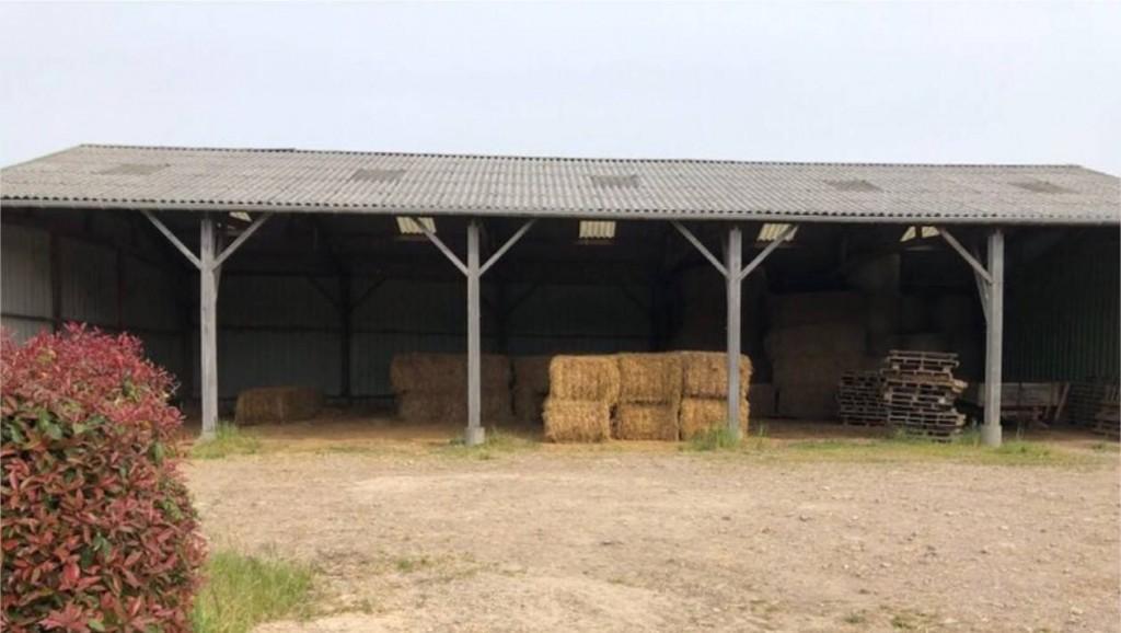 46cb9ca4e037e19fb55ac467c9d9bd65-morbihan-une-importante-cache-d-armes-decouverte-dans-un-hangar-agricole_6