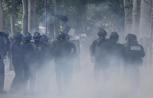 640x410_dix-policiers-blesses-lyon-samedi-11-mai-lors-manifestation-gilets-jaunes-lyon-selon-prefecture-rhone