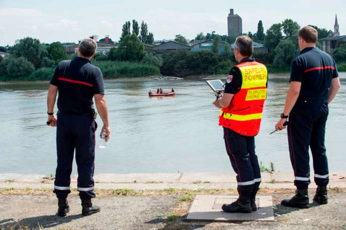 FRANCE-LOIRE-RESCUE-POLICE