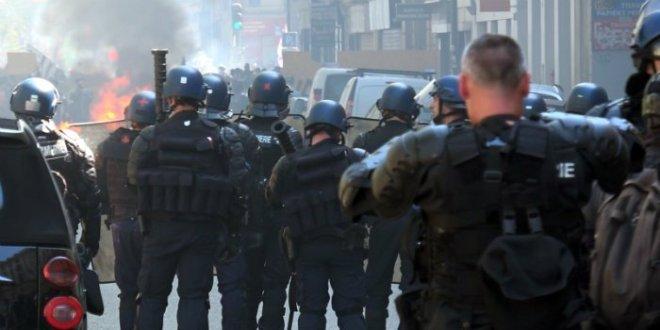 gilets-jaunes-gendarmes-mobiles