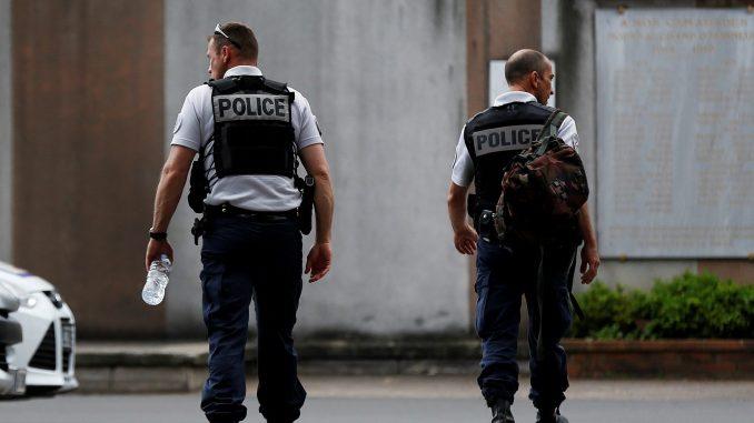 cropped-7797467905_des-agents-de-police-a-rouen-678x381