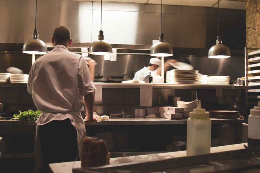 kitchen-731351_960_720-1-854x569
