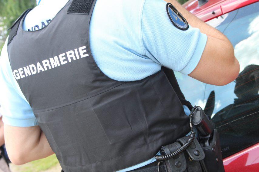 gendarme-controle-854x569