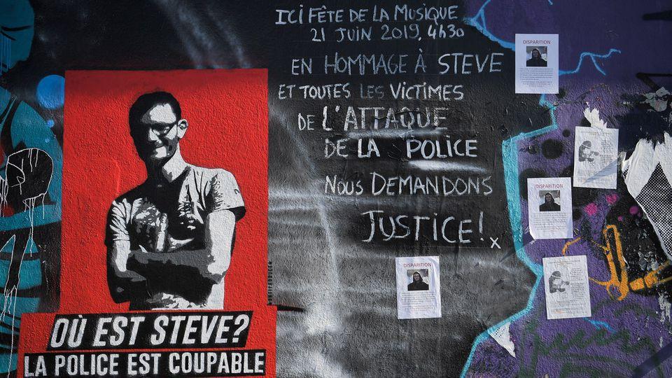 affiches-et-graffitis-lies-a-la-disparition-de-steve-canico-photographies-a-nantes-le-15-juillet-2019_6199570