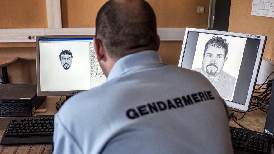cropped-7775290448_un-gendarme-realisant-un-portrait-robot-illustration-1