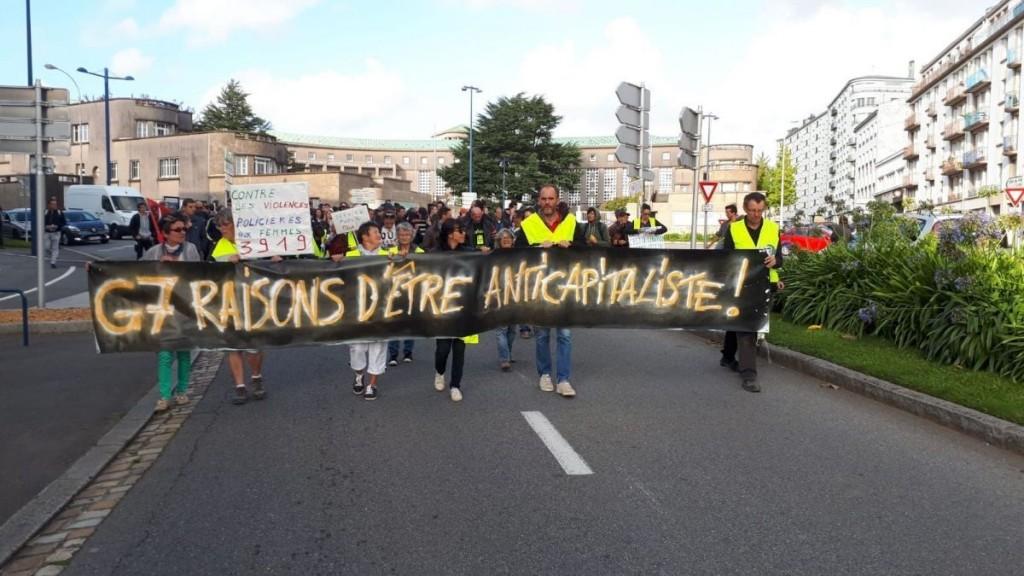 le_cortege_de_la_manifestation_pour_les_services_publics_a_brest_avant_le_g7_des_fonctionnaires_-_loic_blache_ftv-4406175