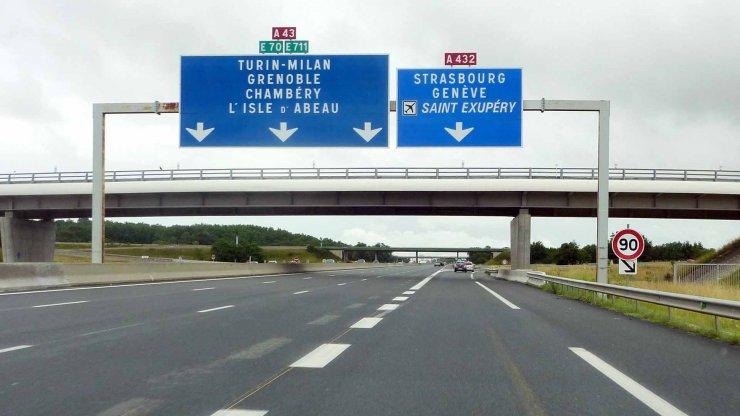 Autoroute-A43-wikimedia-commons-740x416