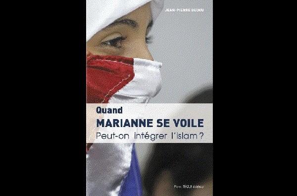 marianne-se-voile600x400