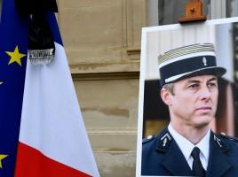 830x532_hommage-national-rendu-colonel-arnaud-beltrame-28-mars-2018
