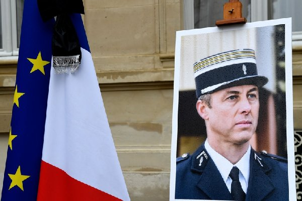600x400_hommage-national-rendu-colonel-arnaud-beltrame-28-mars-2018