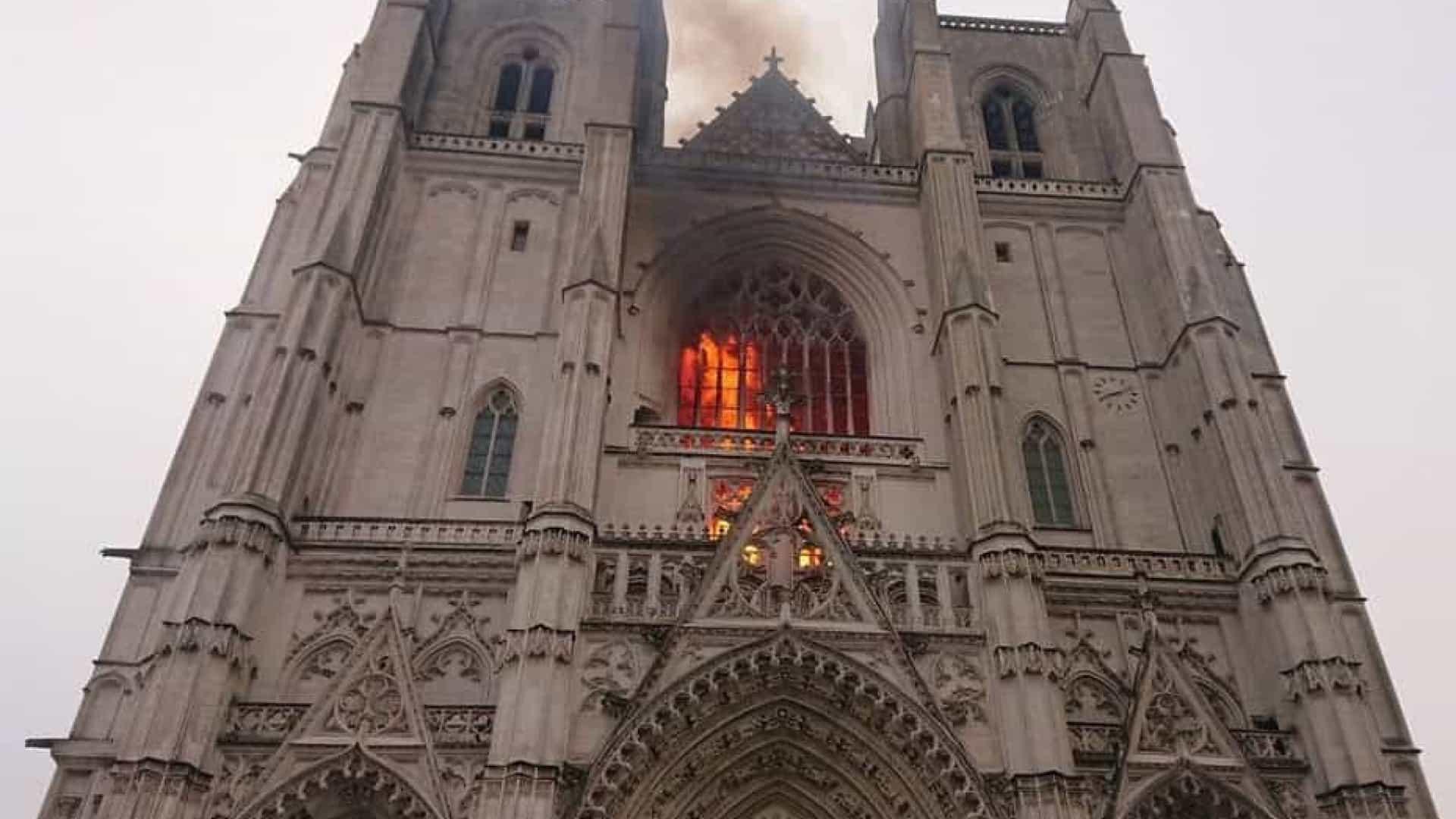 cathedrale-nantes-feu-incendie